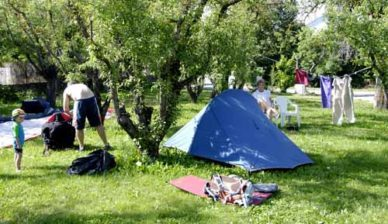 Walking in France: Our new campsite - with our neighbour packing his parachute