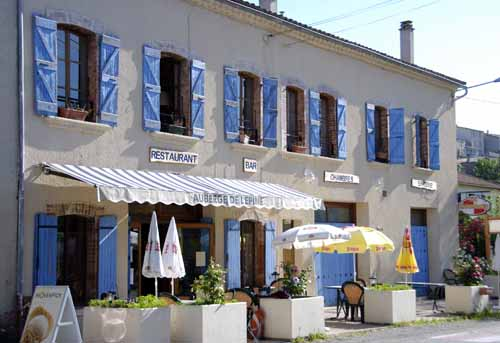 Walking in France: Coffee stop at l'Épine