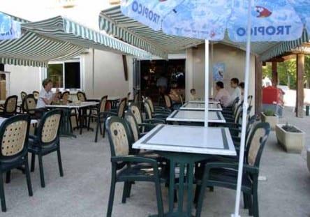 Walking in France: Rosans' pizzeria
