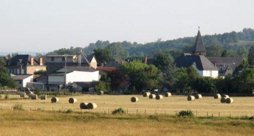 Walking in France: Approaching Varetz