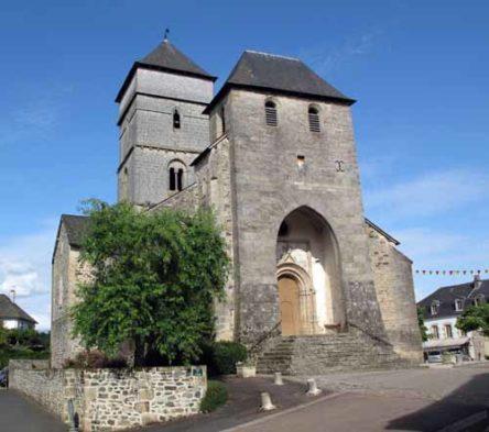 Walking in France: Church of Saint-Côme et Saint-Damien, Chamboulive
