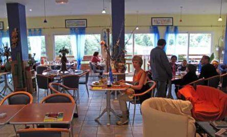 Walking in France: Dinner at the Hôtel du Lac
