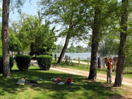 Walking in France: Our campsite beside the Loire, Saint-Thibault