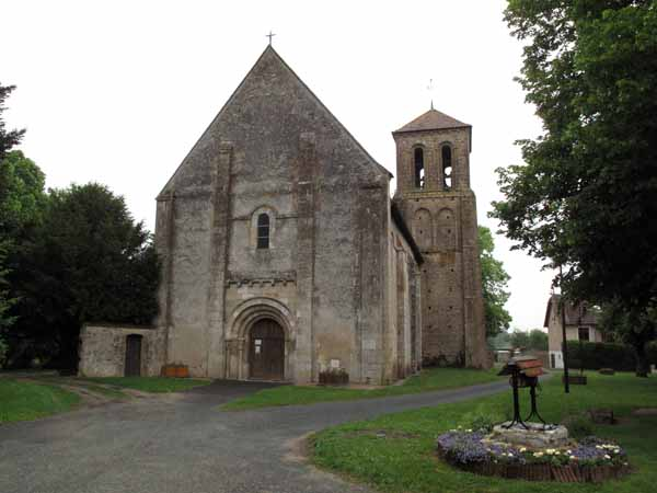 Walking in France: The facade of the church at Saint-Pierre-les-Étieux