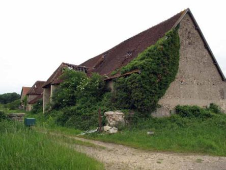 Walking in France: Passing a neglected farmhouse