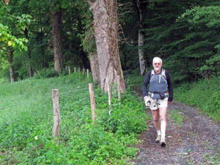 Walking in France: Approaching la Feyte