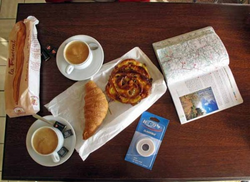 Walking in France: Bread, pastries, coffee and sticking plaster in Marsac
