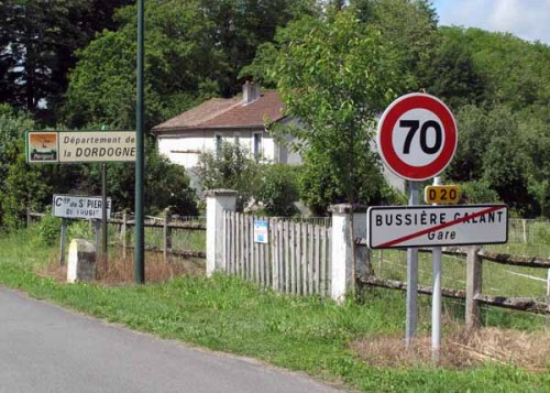 Walking in France: Leaving Bussière-Galant-Gare in the Limousin Region and entering the Dordogne in the Aquitaine Region