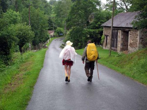 Walking in France: A moist departure from la Coquille with Kees