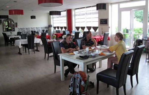 Walking in France: Breakfast with Kees and Henk, Périgueux gite