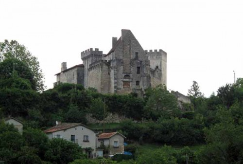 Walking in France: The château of Grignols