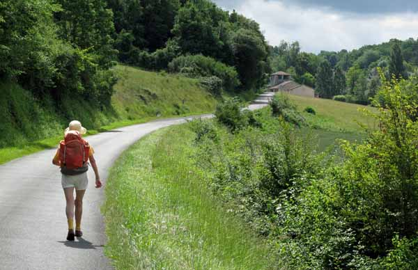 Walking in France: Approaching Jaure and a possible coffee