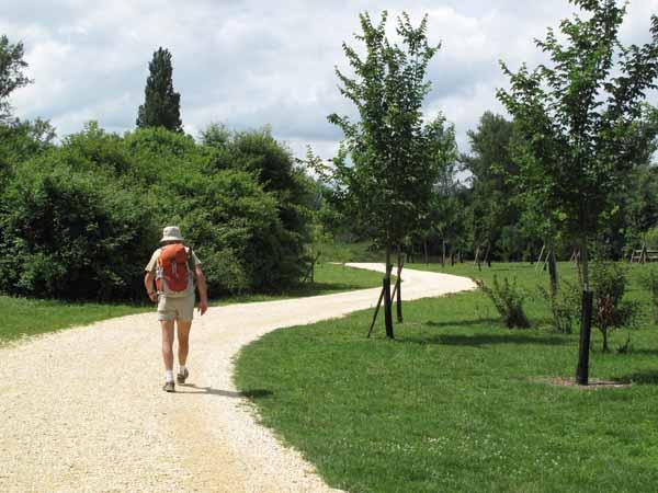Walking in France: Arriving in Bergerac via a very twisty path