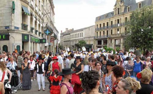 Walking in France: Part of the Fêtes de Bergerac