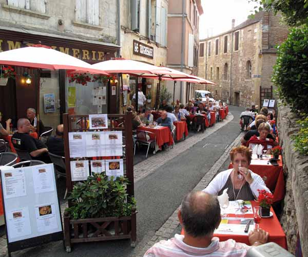 Walking in France: Dinner at le Richelieu
