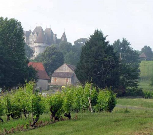 Walking in France: Approaching the Château of Montbazillac