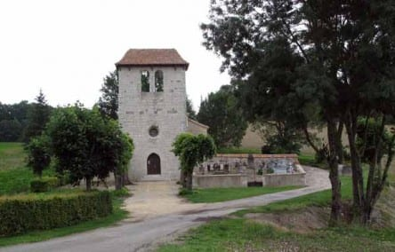 Walking in France: The church at Valette