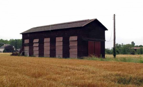 Walking in France: Another prune-drying barn