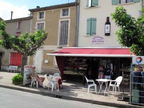 Walking in France: Morning coffee in Buzet-sur-Baïse