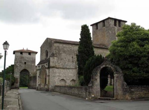 Walking in France: Grand portal and church, Vianne