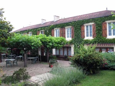 Walking in France: Leaving la Chaumière d'Albret later than we planned