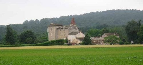 Walking in France: The fortified farm of Cauderoue with the enormous forestry project beyond