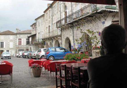 Walking in France: Watching Mézin go by