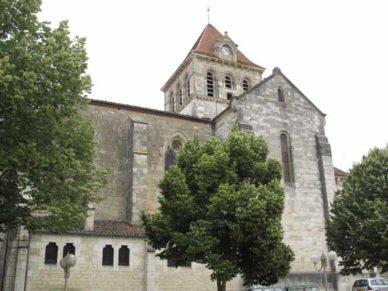 Walking in France: Church in Mézin