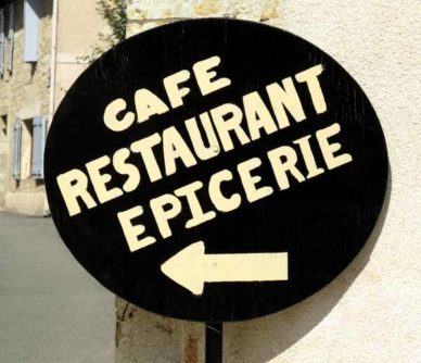 Walking in France: A wonderful sign in Lavardens