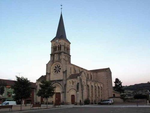 Walking in France: Church in Matour