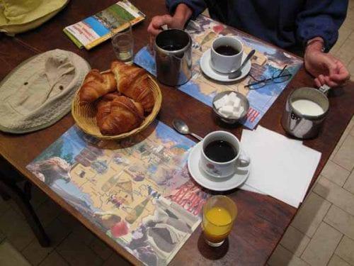Walking in France: Breakfast at the Hotel de la Roche