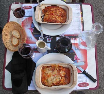 Walking in France: Our lasagnes at the Pizz à 2