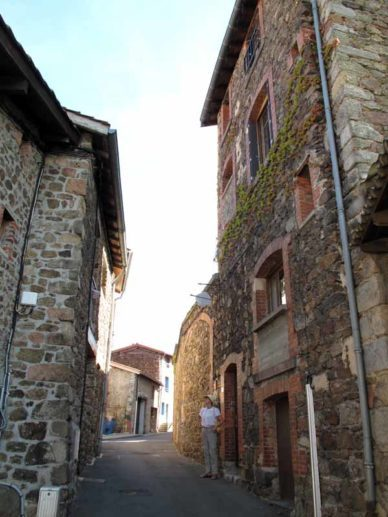 Walking in France: Leaving the gîte for apéritifs and dinner