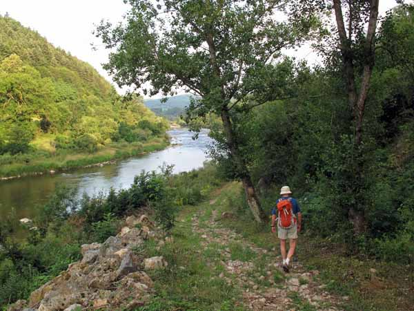 Walking in France: In the Gorges of the Loire