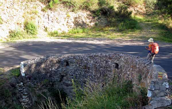 Walking in France: Descending to the Loire on the GRP