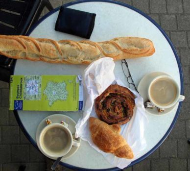 Walking in France: ...second breakfast