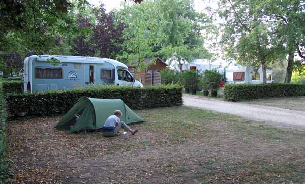 Walking in France: Writing the diary back at the Vierzon camping ground