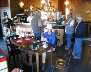 Walking in France: A second warming coffee in the bar