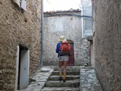 Walking in France: The start of an unscheduled tour of the back streets of Sainte-Jalle
