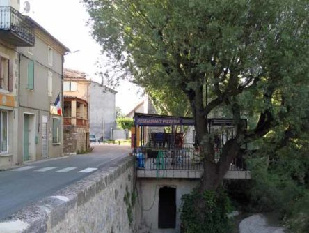 Walking in France: Les Lavandes, Sainte-Jalle