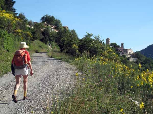 Walking in France: Approaching Rochebrune