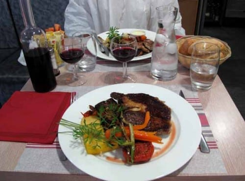 Walking in France: Dinner in Fontvieille
