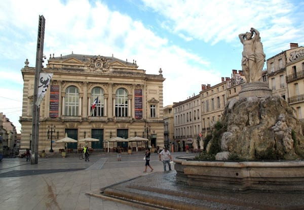 Walking in France: Much quieter than yesterday in the Place de la Comédie