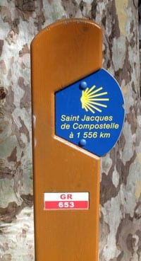 Walking in France: ... and a brand new GR sign