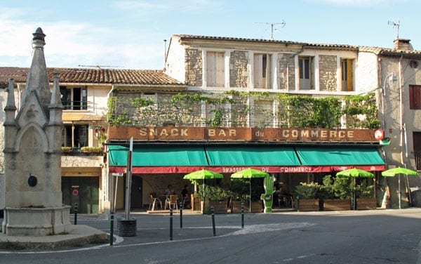 Walking in France: A welcome sight – the Bar du Commerce, Montarnaud
