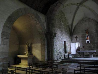 Walking in France: Inside the church