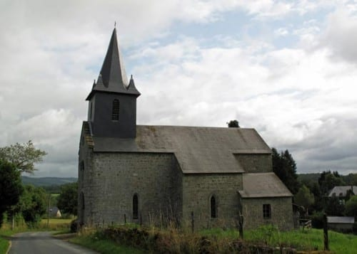 Walking in France: The church in la Villeneuve