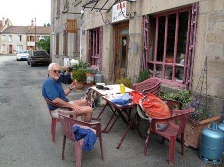 Walking in France: At Chez l'Ours, le Monteil-au-Vicomte