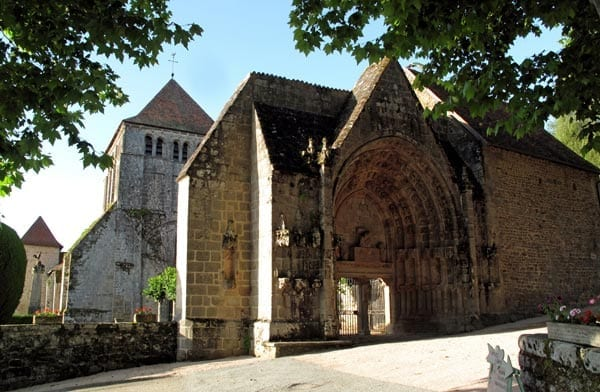 Walking in France: Entrance to the monastery