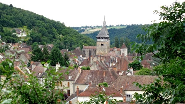 Walking in France: Approaching Chambon-sur-Voueize